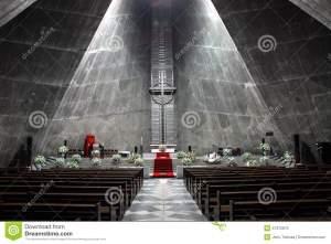moderne-kirche-47375870